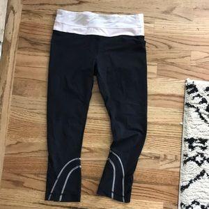 Lululemon Run Crop Leggings 6 Black Mesh